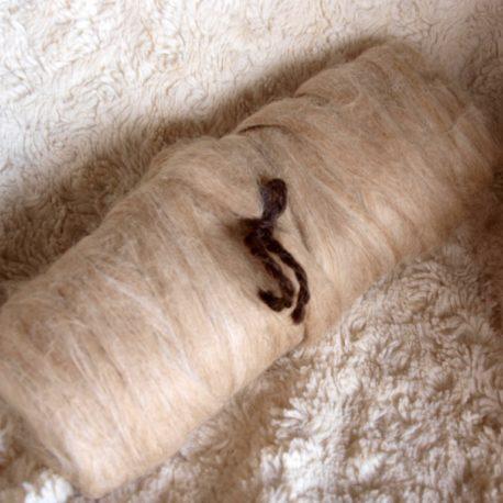 fawn suri alpaca roving